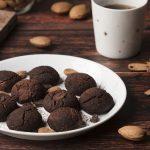 Biscotti con cioccolato e tahina