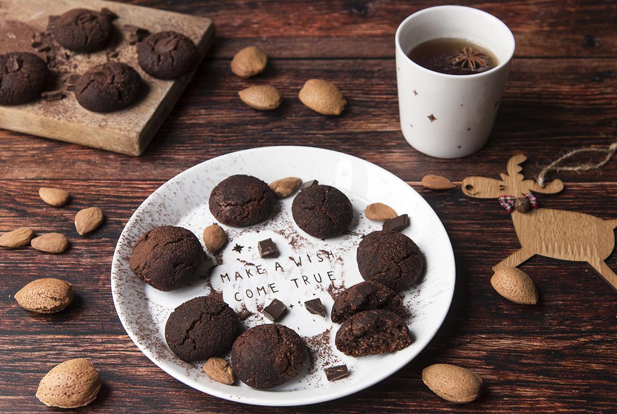 Biscotti con cioccolato e tahina ricetta facile