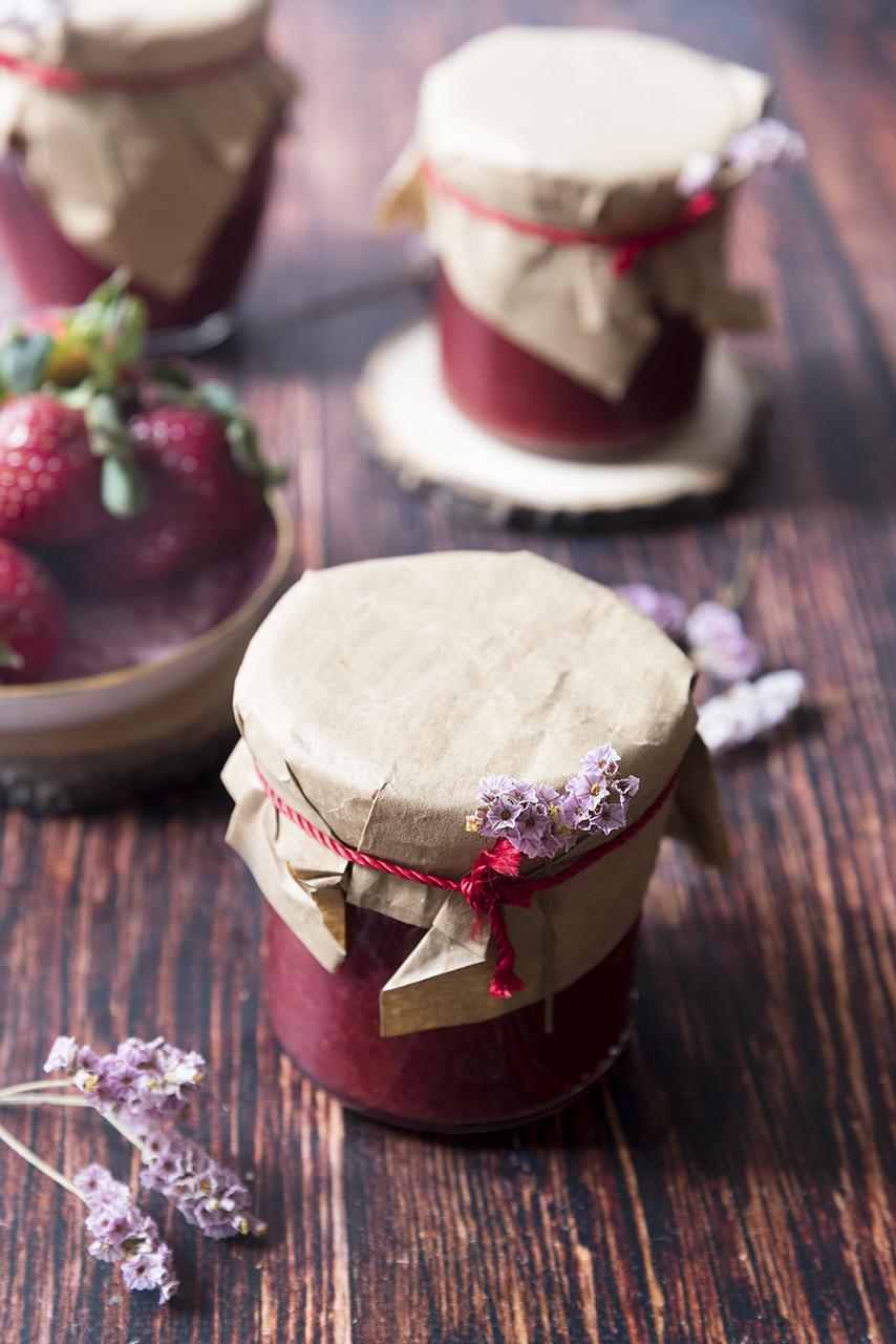 Marmellata di fragole vasetti
