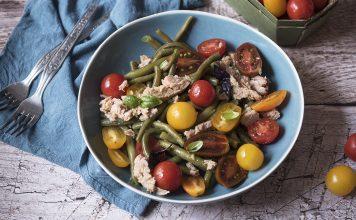 Insalata di fagiolini, tonno e pomodori
